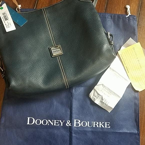 Dooney & Bourke Handbags - Dooney and bourke leather purse